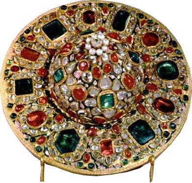 Royal Dish Cover