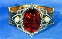 Garnet and Pearl Bracelet in the Iranian Crown Jewels