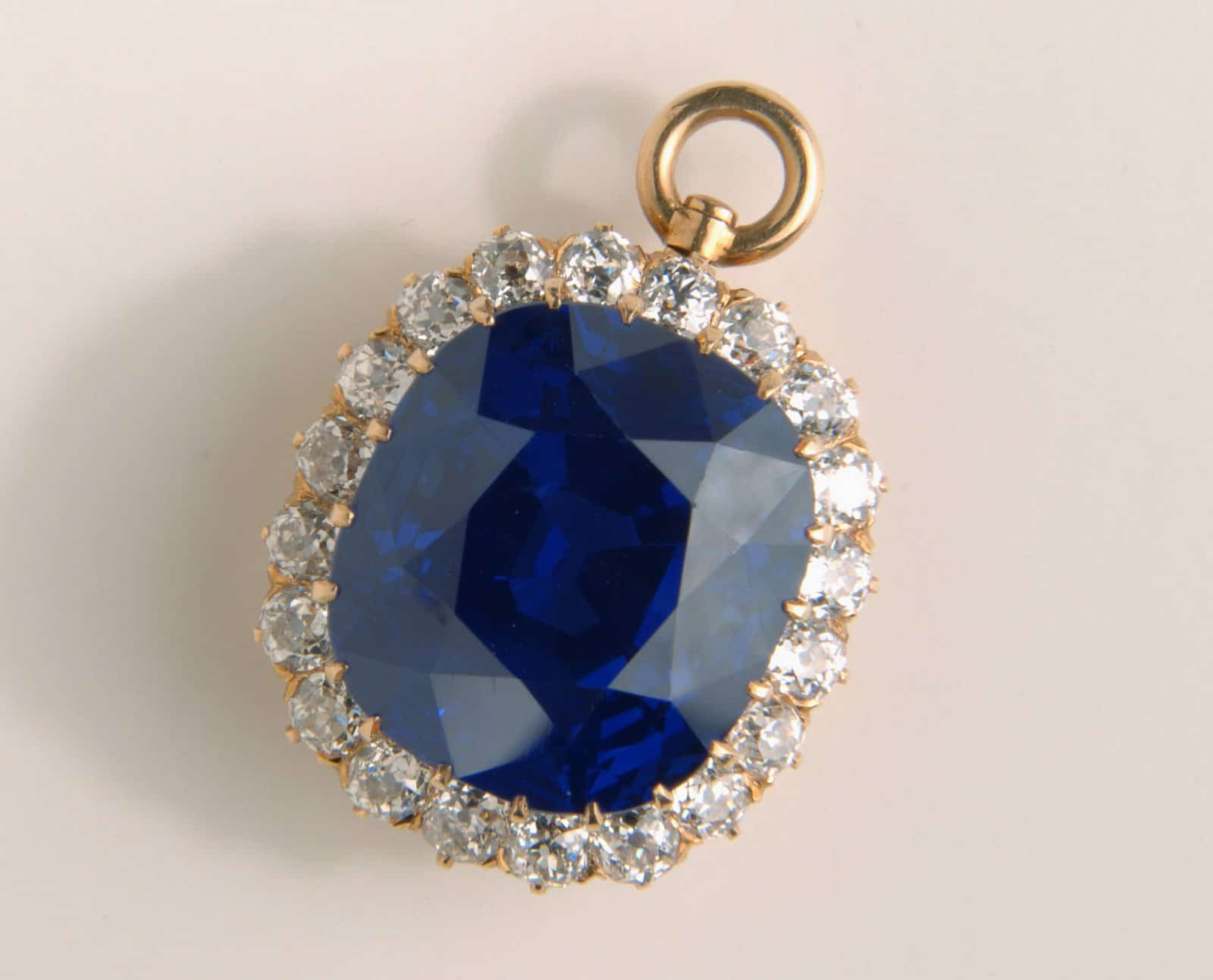 Hills Sapphire Christies Auction Worlds Most Expensive Blue