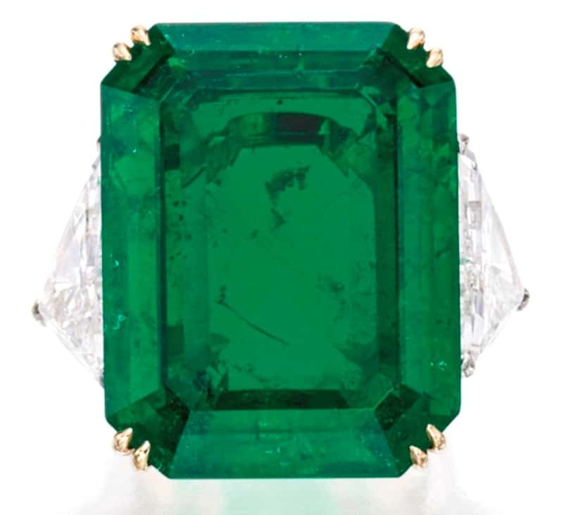 Lot 182 - El-Dorado Emerald and Diamond Ring
