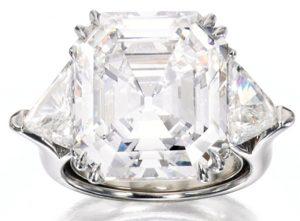 Lot 213 - Elegant Diamond and Platinum Ring by David Webb