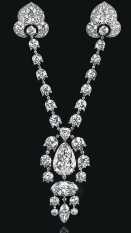 Lot 259 - A Belle-Epoque Diamond Devant-De-Corsage Brooch by Cartier, circa 1912