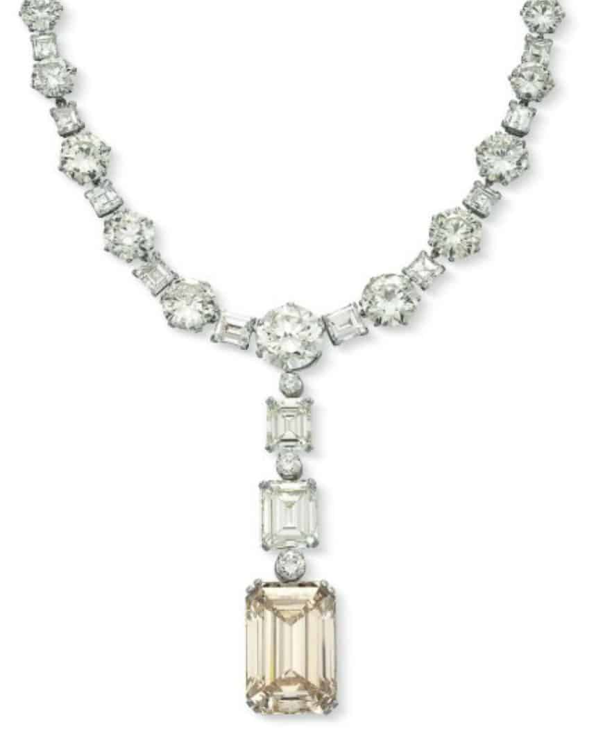 Lot 350 - A Magnificent Diamond Pendant Necklace
