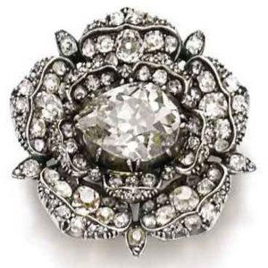 Lot 368 - The English Rose Diamond Pendant