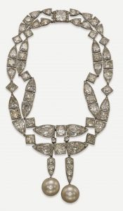 Lot 391 - Art Deco Natural Pearl and Diamond Necklace