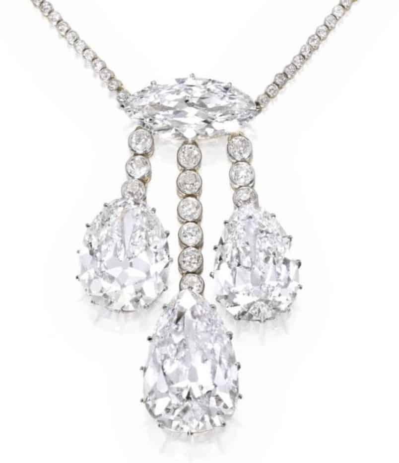 Lot 414 - Enlarged Image of Pendant Setting with Three Diamond Fringes