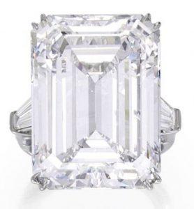 Lot 402 - Magnificent Platinum And Diamond Ring
