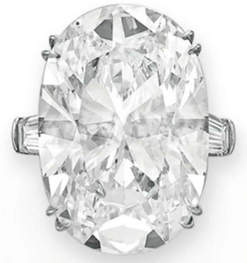Lot 152 - A Magnificent Diamond Ring by Bulgari