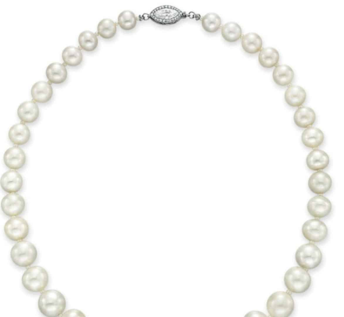 Lot 141 - Rear section of  the Important Single-Strand Natural Pearl and Diamond Necklace