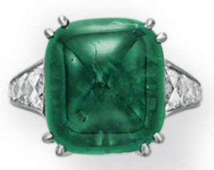 Lot 219 - Top View of An Emerald And Diamond Ring