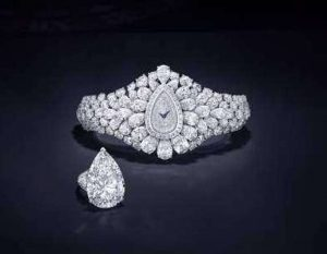 Graff Diamonds Fascination Watch and the Ring formed by its transformation
