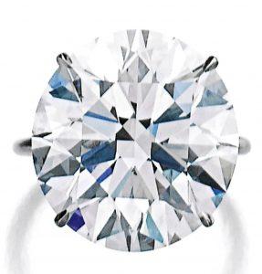 Lot 446 - A Very Fine Diamond Ring
