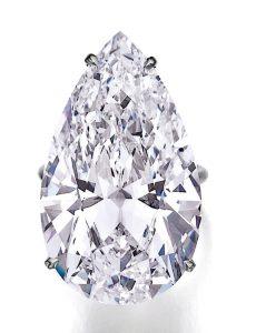 Lot 452 - An Impressive Diamond Ring