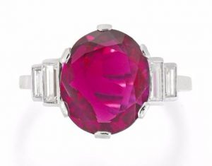 Lot 155 - A Ruby Single Stone Ring