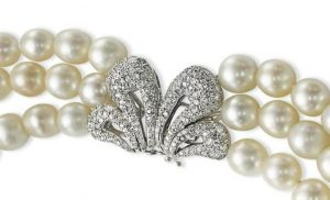 Clasp of the three-strand natural pearl, cultured pearl and diamond-necklace- enlarged