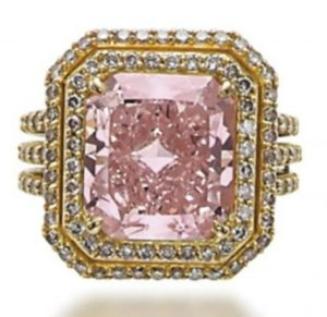 Lot 344 - A Colored Diamond Ring