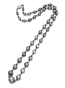 Lot 1796 - Very Rare Natural Pearl, Diamond and Black Onyx Necklace