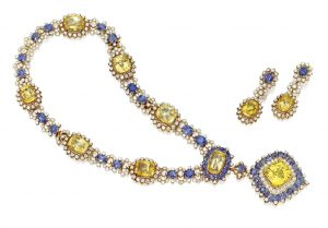 Lot 218 - 18k Gold, Sapphire and Diamond Pendant Necklace and Earclips, Van Cleef & Arpels