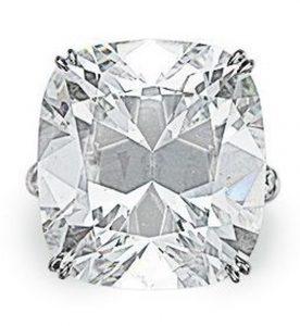 Lot 246 - A Diamond Ring