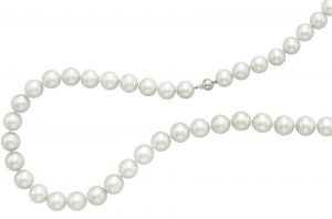 Lot 87 - A Cultured Pearl Necklace