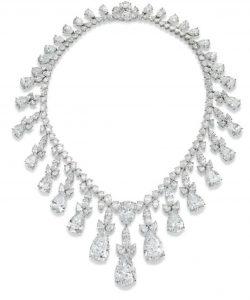 Lot 223 - AN IMPRESSIVE DIAMOND FRINGE NECKLACE, BY HARRY WINSTON