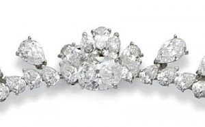Lot 223 - The Rear Clasp and pear-shaped diamond fringe on either side enlarged
