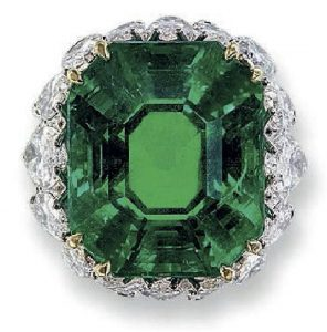 Lot 208 - TOP VIEW OF THE IMPRESSIVE EMERALD AND DIAMOND RING, BY DAVID WEBB.