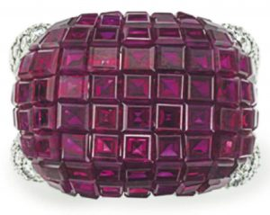 LOT 71 - TOP VIEW OF THE RUBY AND DIAMOND RING, BY OSCAR HEYMAN & BROTHERS