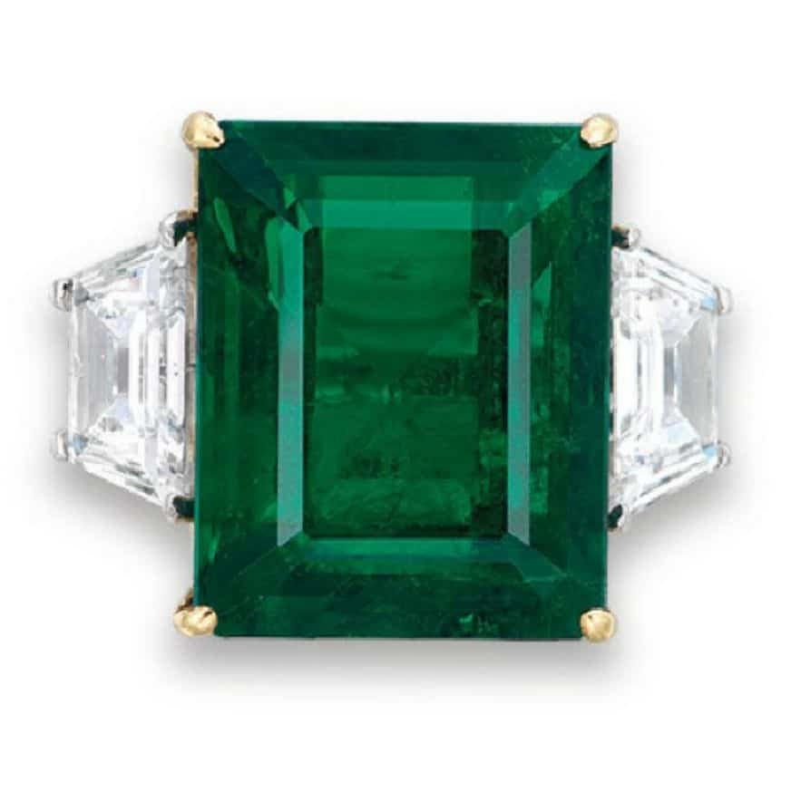 LOT 2042 - AN IMPORTANT EMERALD AND DIAMOND RING, BY HARRY WINSTON