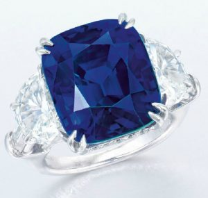 LOT 2083 - ANOTHER VIEW OF THE IMPORTANT SAPPHIRE AND DIAMOND RING, BY HARRY WINSTON