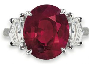 LOT 186 - AN EXCEPTIONAL RUBY AND DIAMOND RING