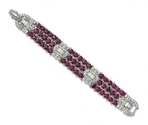 Lot 123 - AN IMPORTANT ART DÉCO RUBY AND DIAMOND BRACELET, BY VAN CLEEF & ARPELS