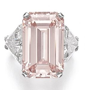 Lot 336 - MAGNIFICENT FANCY INTENSE PINK DIAMOND RING