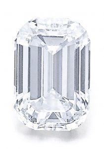 LOT 311 - IMPORTANT FANCY LIGHT BLUE DIAMOND RING