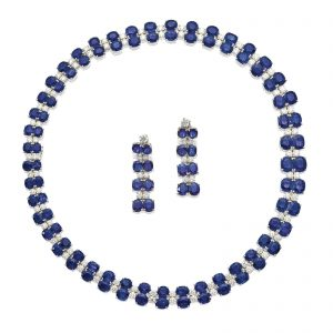 LOT 1781 - SAPPHIRE AND DIAMOND DEMI-PARURE