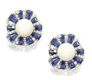 LOT 1666 - PAIR OF CLAM PEARL, SAPPHIRE, DIAMOND AND PEARL EARRINGS