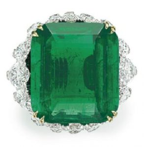 LOT 135 - TOP VIEW OF IMPRESSIVE EMERALD AND DIAMOND RING, BY DAVID WEBB