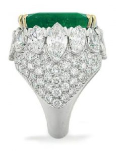 LOT 135 - SIDE VIEW OF IMPRESSIVE EMERALD AND DIAMOND RING, BY DAVID WEBB
