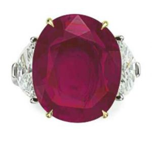 LOT 78 - AN EXCEPTIONAL RUBY AND DIAMOND RING