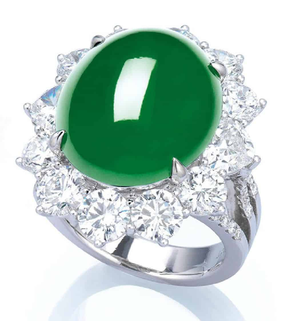 LOT 2060 - THE RING OF THE JADEITE AND DIAMOND JEWELRY SUITE