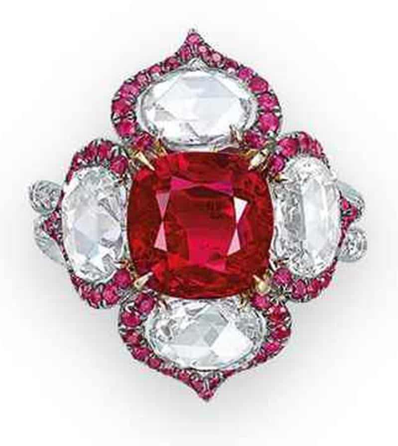 LOT 2085 - A SUPERB RUBY AND DIAMOND RING