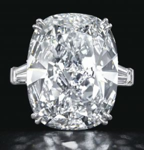 LOT 293 -A RARE DIAMOND RING, BY LEVIEV