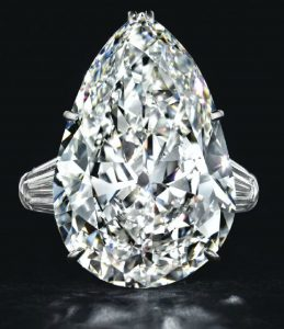 LOT 166 - A DIAMOND RING, BY HARRY WINSTON