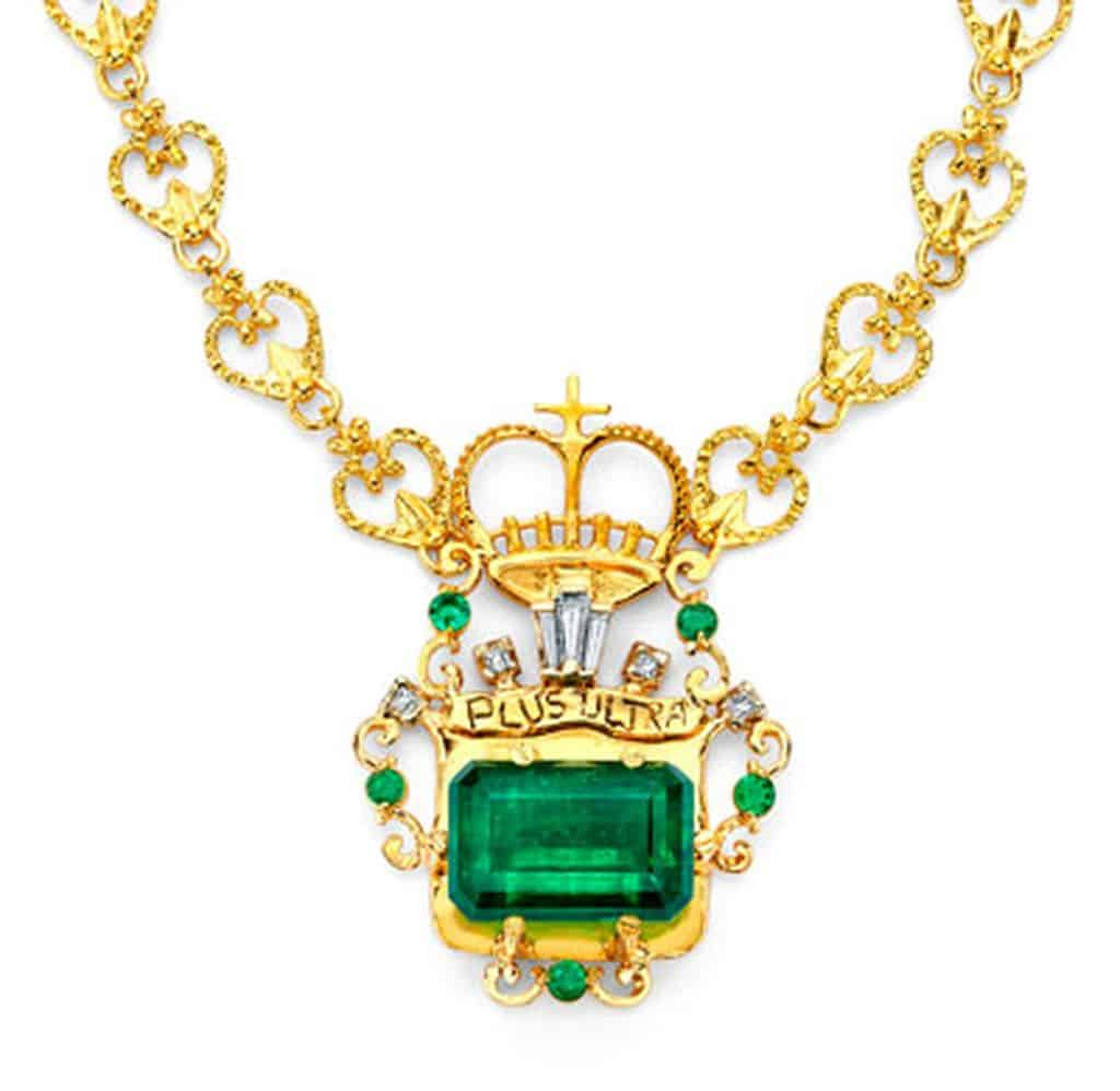 Lot 4 - Corona de Muzo Emerald and Diamond Pendant Necklace