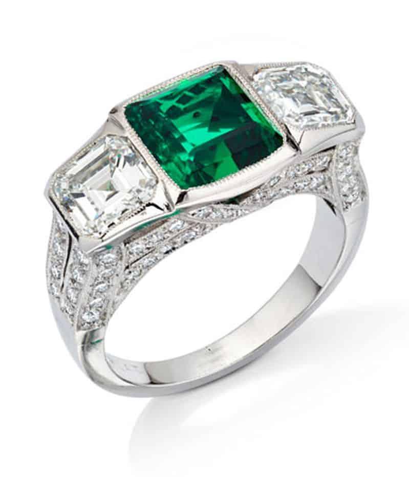 Lot 23 - Flor de Muzo - Flower of Muzo Emerald and Diamond Platinum Ring