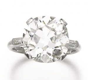 Lot 114 - Diamond Ring