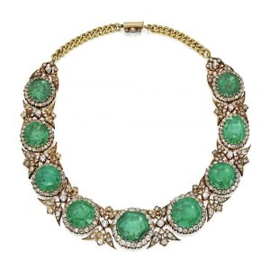 Lot 252 - Gold, Emerald and Diamond Necklace