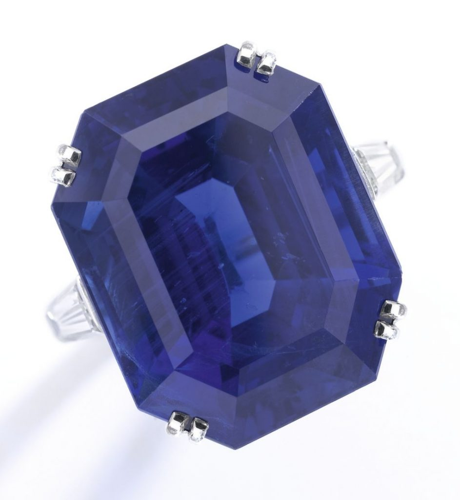 Lot 312 - Important sapphire and diamond ring, Van Cleef & Arpels