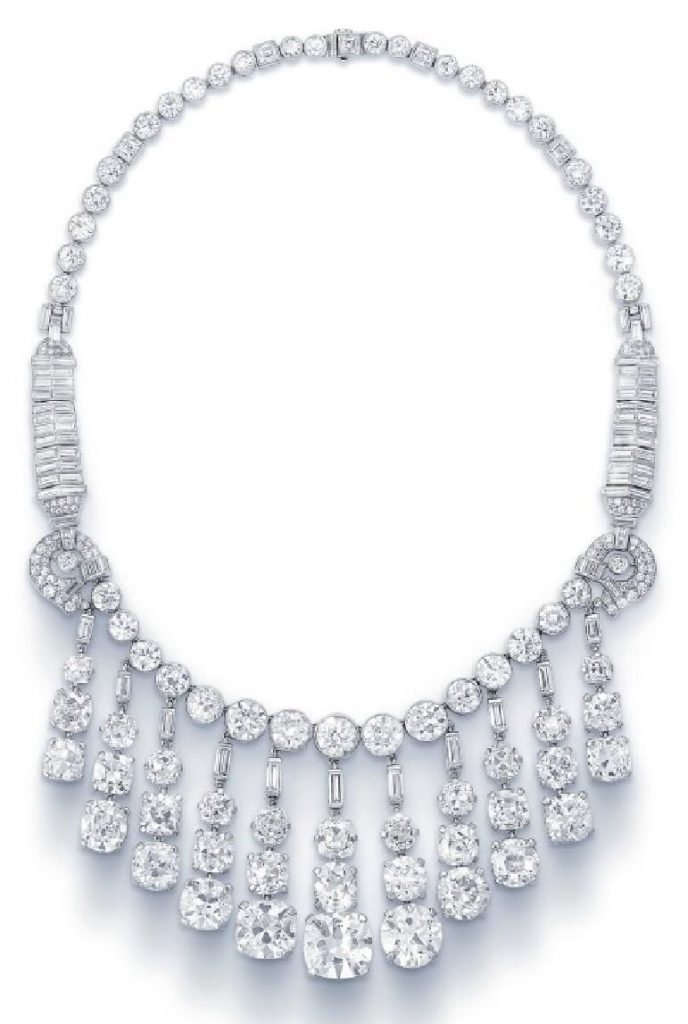 LOT 265 - A SUPERB DIAMOND FRINGE NECKLACE BY CARTIER