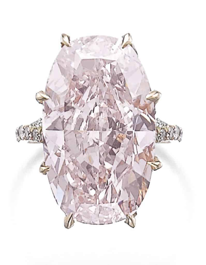 Lot 364 – Attractive fancy pink diamond ring